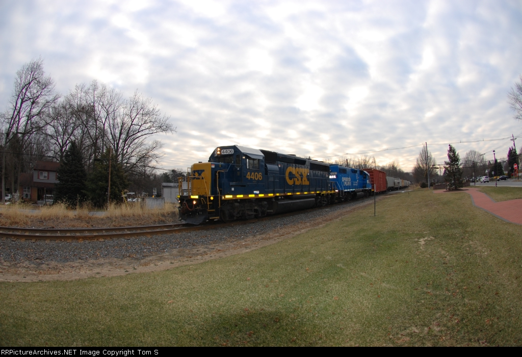Conrail Shared Assets WPMI-21 through the fisheye at Oak Valley