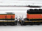 100206006 BNSF 1877 Mother & 258 Slug on the move at Northtown Yard