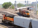 100629014 BNSF Grove Switcher approaches CTC 35th while a downgraded SD40-2 switches the Northtown Bowl Pullouts