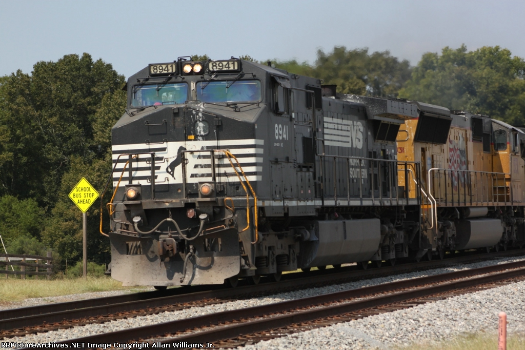NS 8941