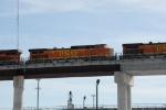 BNSF 4057 on Z-train