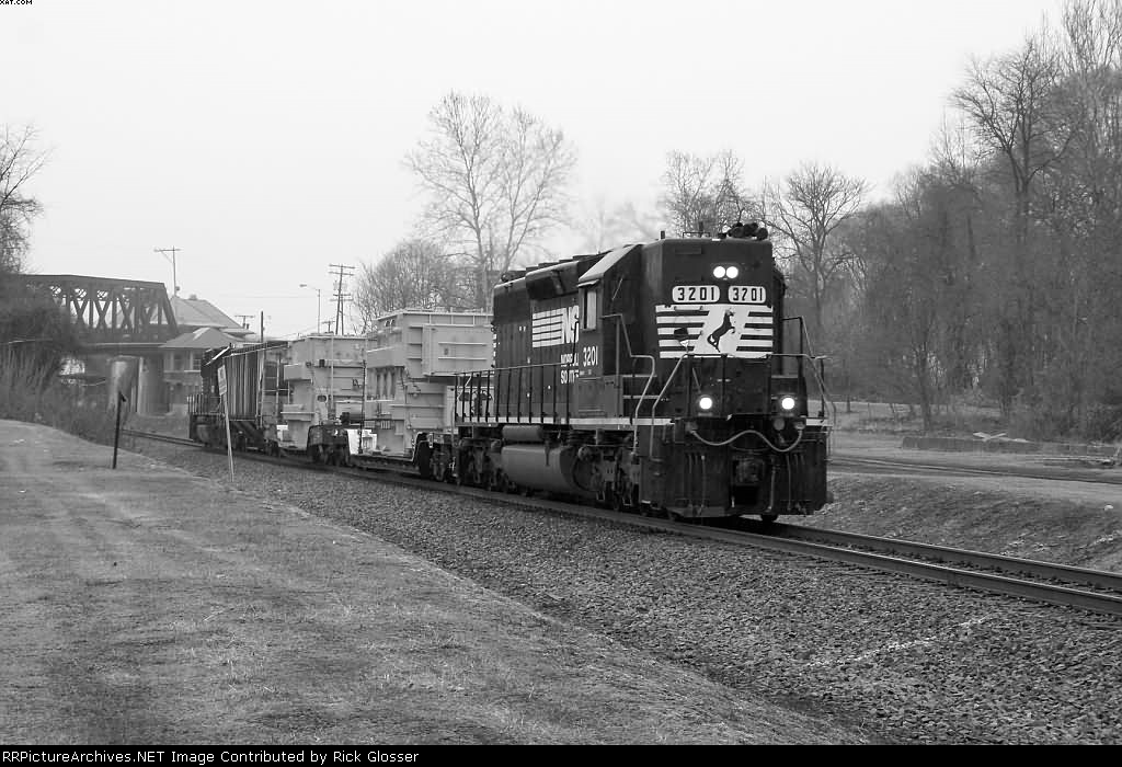 NS Local H76 @1116 hrs