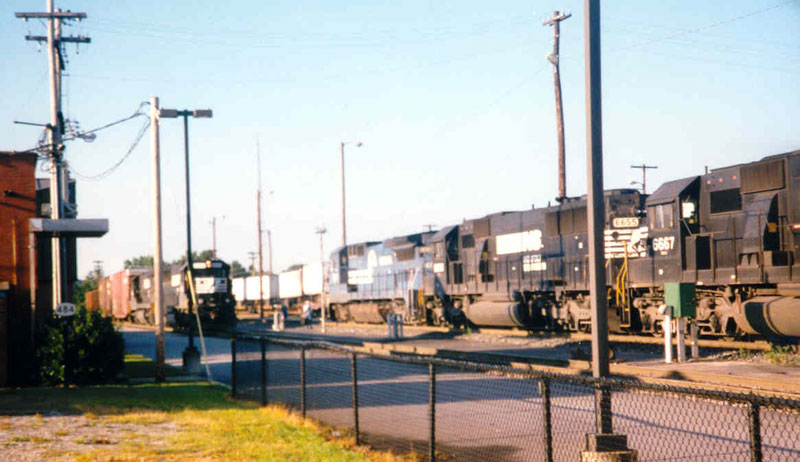 NS Trains 211 and 154