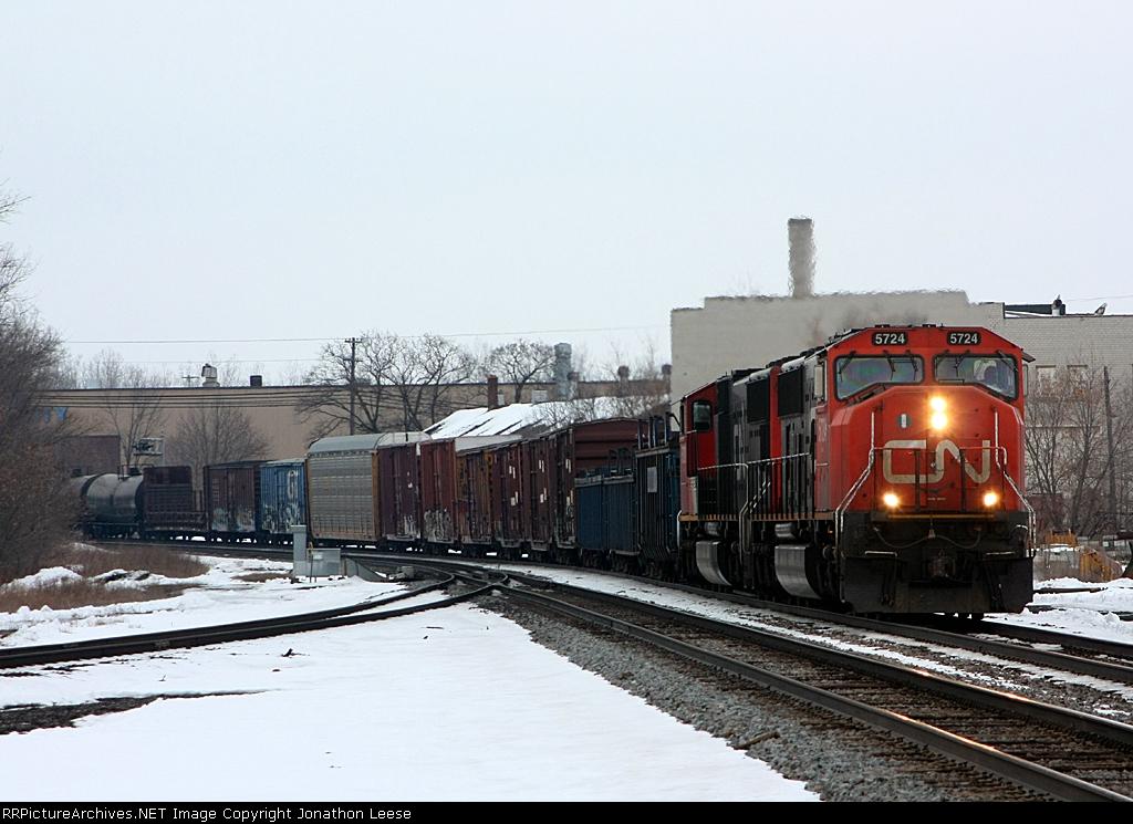 CN 5724 leads an eastbound