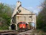 CN 2586 leads a westbound under the old GTW coaling tower