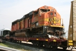 Wrecked BNSF 8987 on a flatcar at Galesburg Hump