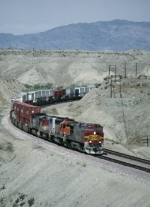 BNSF 780 east bound on the CA, AZ border