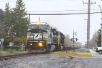 NS C40-8W #8389 lead as NS 12G southbound train