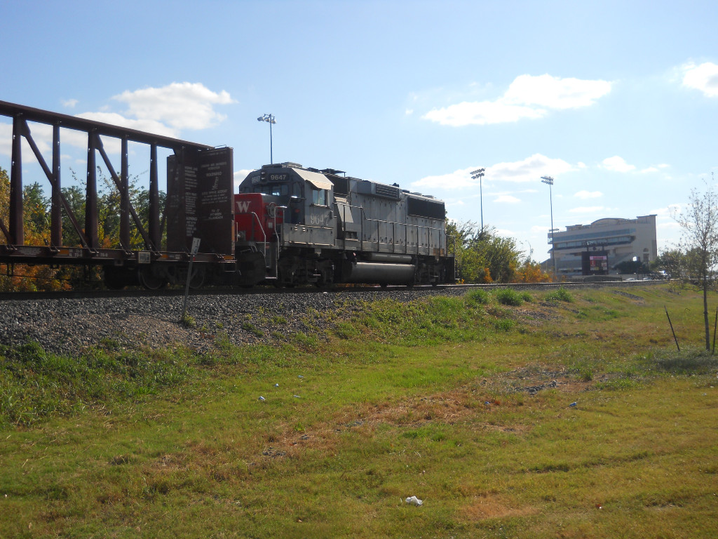 SSW 9647  25Sep2010  SB out of CENTEX Headed home for the evening