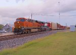 BNSF 6622 FXE 4652 23JUL10 NB Through Town