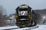 02-12-2011: Rear helper on the 36A