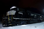 01-28-2011: NS 6900 under the lights