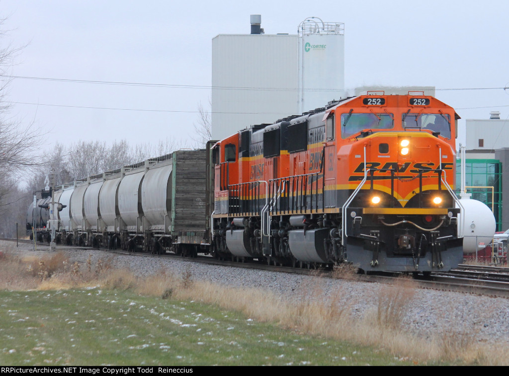 BNSF 252