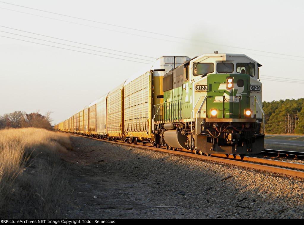 BNSF 8123