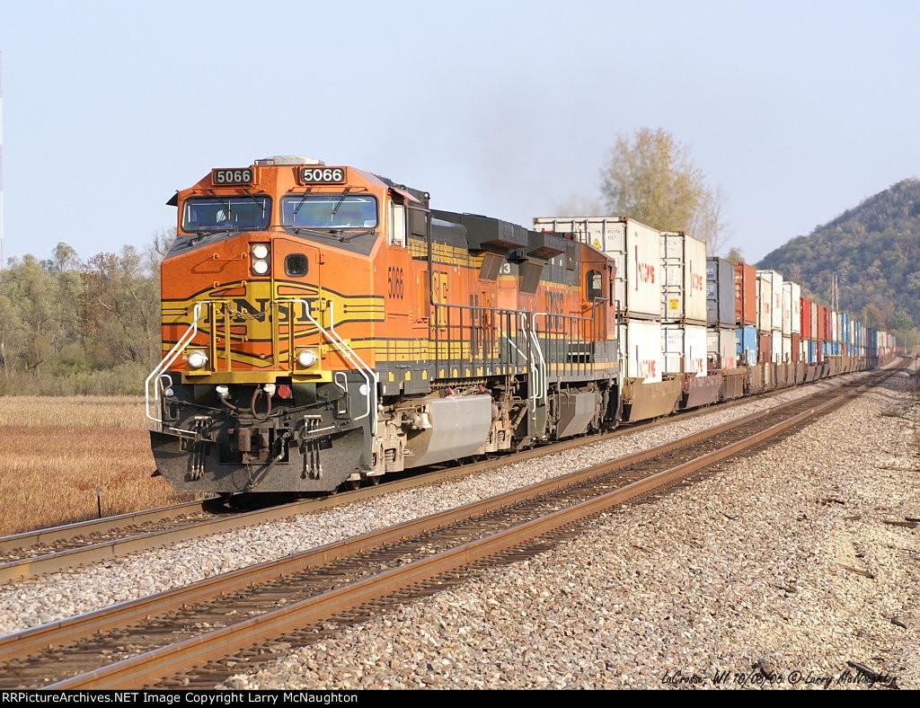 BNSF 5066 East
