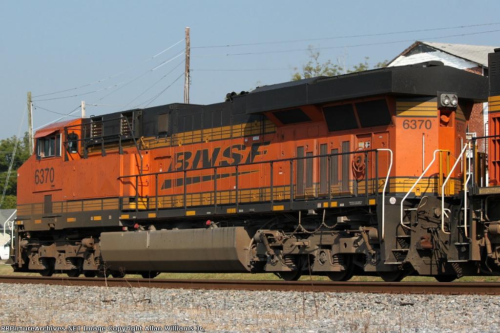 BNSF 6370