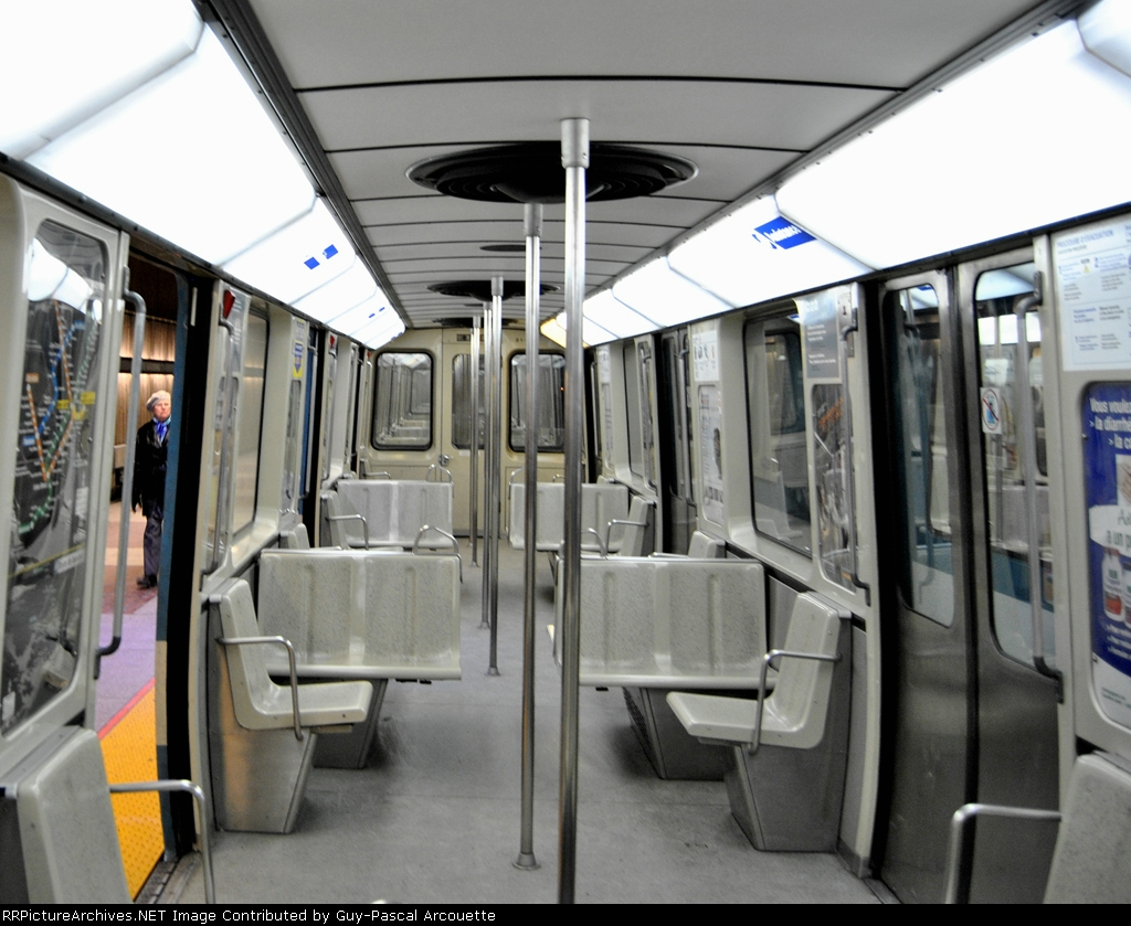 montreal subway car interior. Black Bedroom Furniture Sets. Home Design Ideas