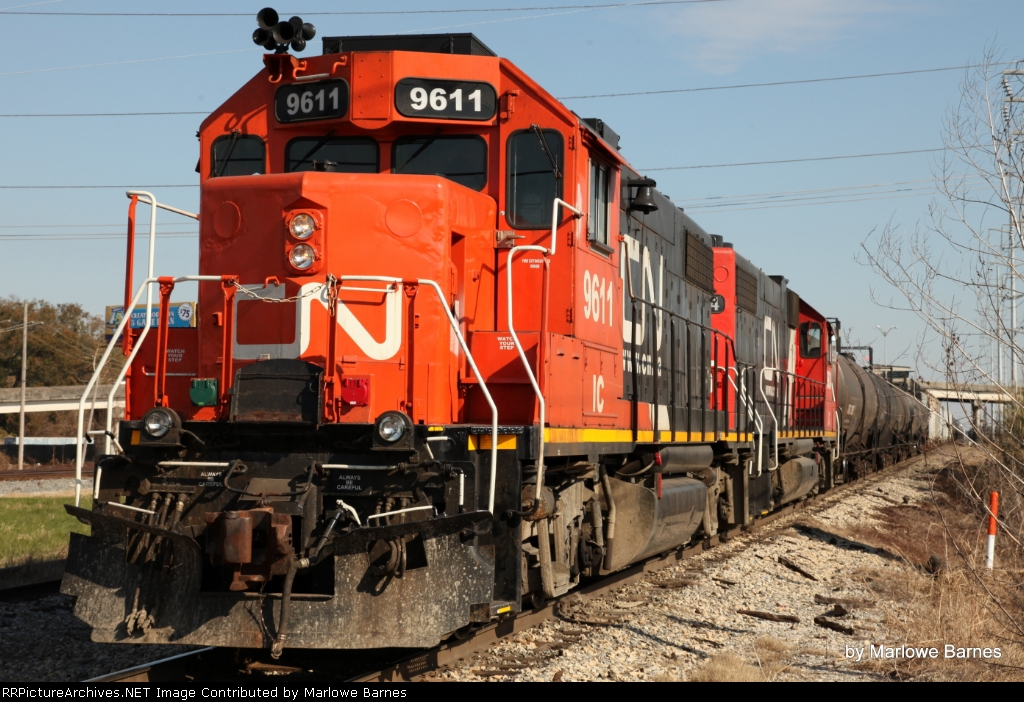 CN 9611 works the May Yard
