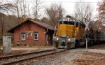 FEC 722 and NECR 3844 lead train 610 past the original Coventry CT station...now a private home