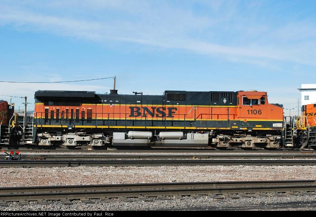 BNSF 1106