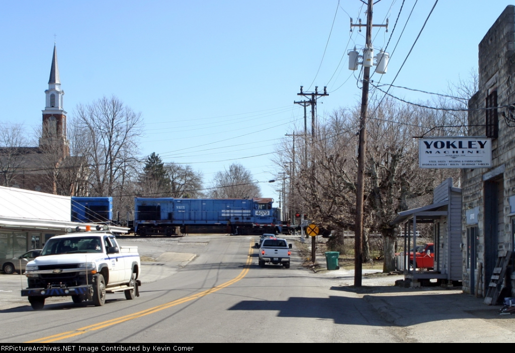WHRC 4079 (former NREX 4079, Conrail 2003) on Q574 north
