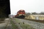 CSX K562 with northbound mty RJC aluminum ingot train passing L&N Depot