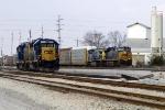 CSX Q235 south passes the yard