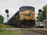CSX 201 & 8838 split the signals with N894-05