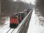 CN 5719 slowly leads M395 towards Cedar for a meet with M396
