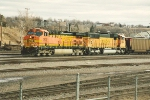 Westbound empties ease through yard
