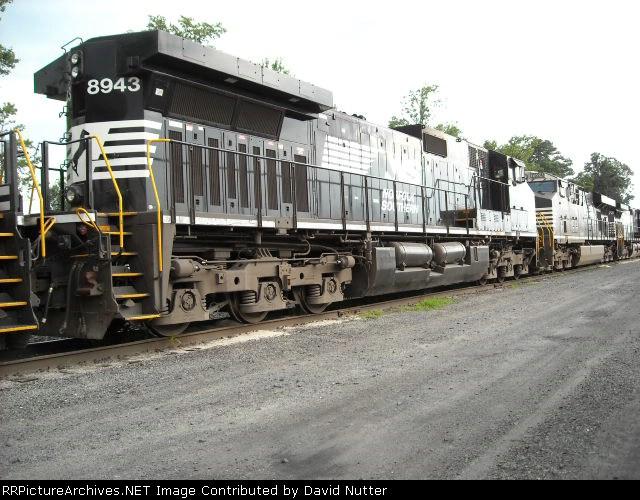 NS 8943