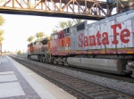 A Santa Fe Warbonnet in the consist