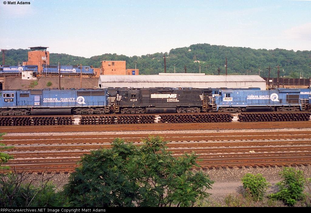 NS GP38AC 4142