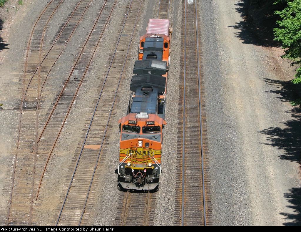 BNSF5297 C44-9W and a short stack!