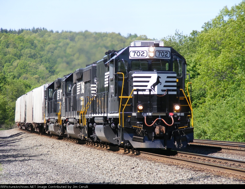 NS 702