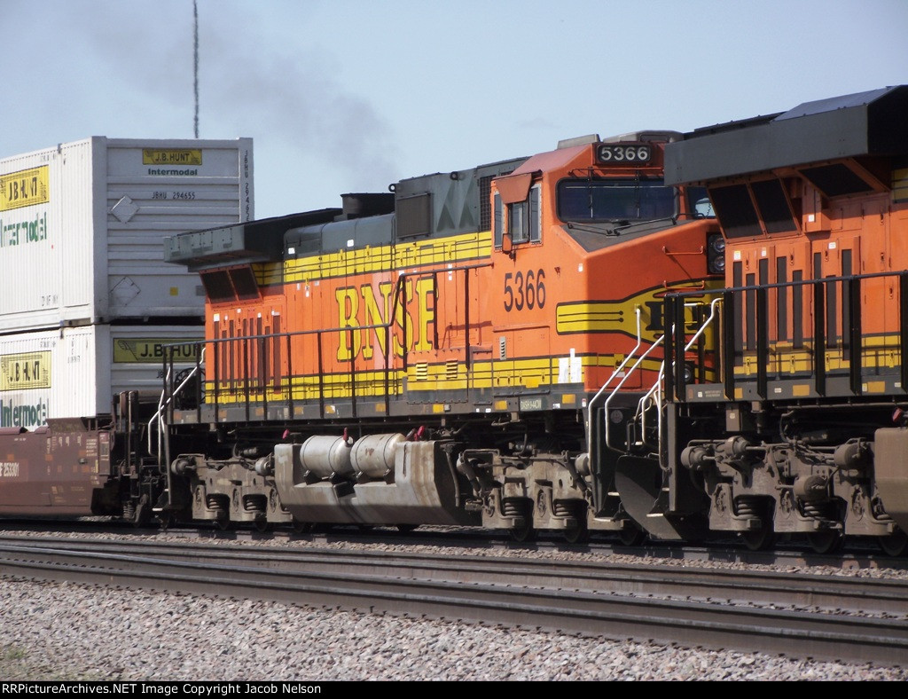 BNSF 5366