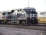 NS 8121