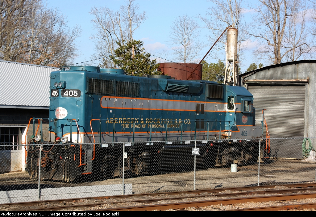 A&R 405 sits at the ABerdeen & Rockfish shops