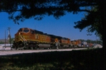 BNSF 4543 leads a westbound through the east switch