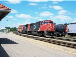 CN 5687 and new SD70M-2