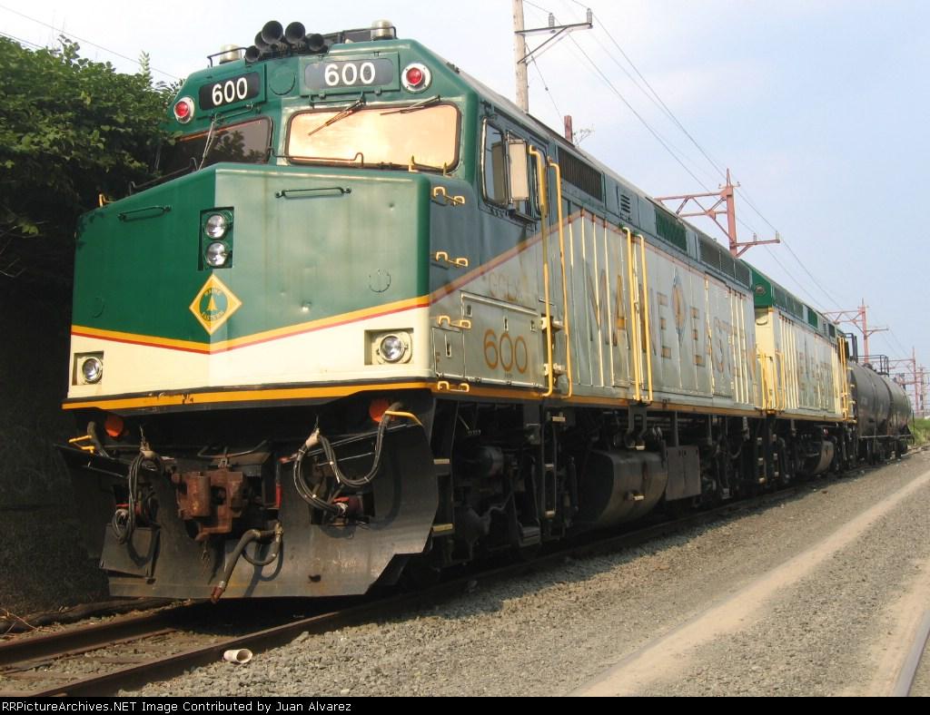 Maine Eastern F40Ph-2 600&601
