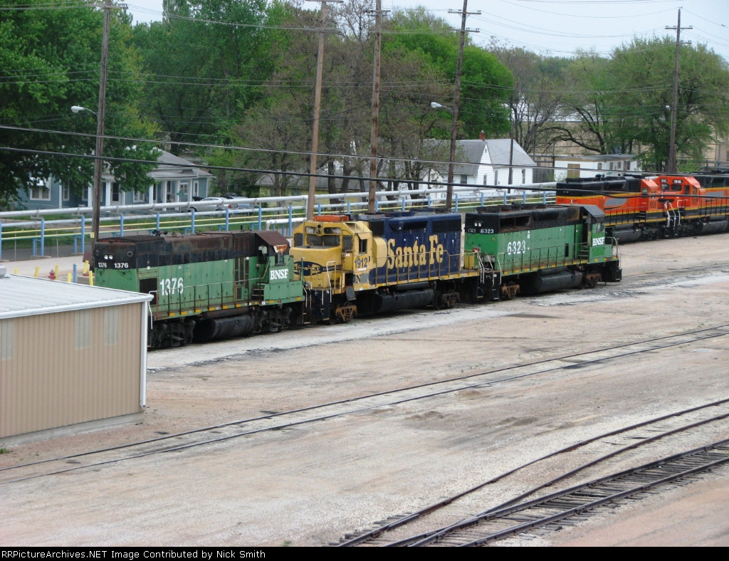 BNSF 1912, 6323, and 1376
