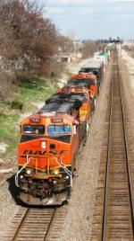 BNSF 7585 leading West