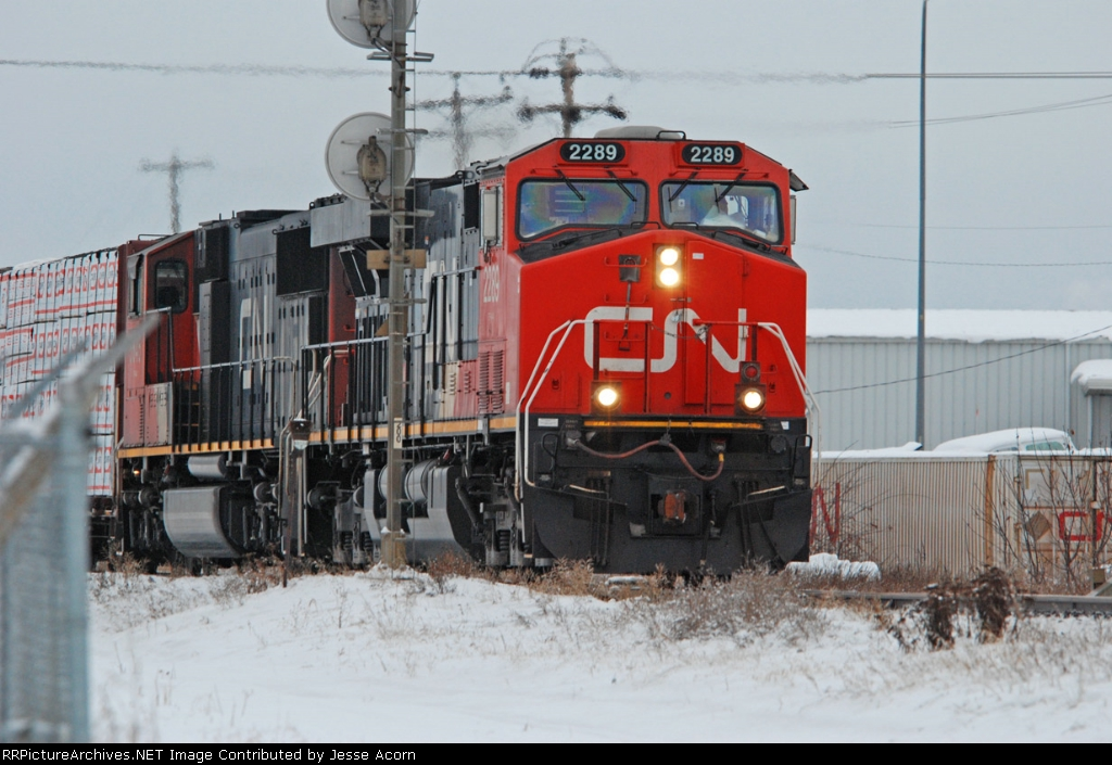 CN ES44DC and SD75I on the Edson sub