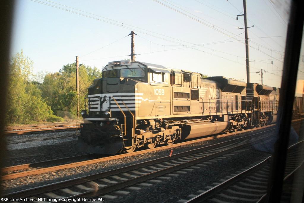 NS 1059 and empty hopper train 593