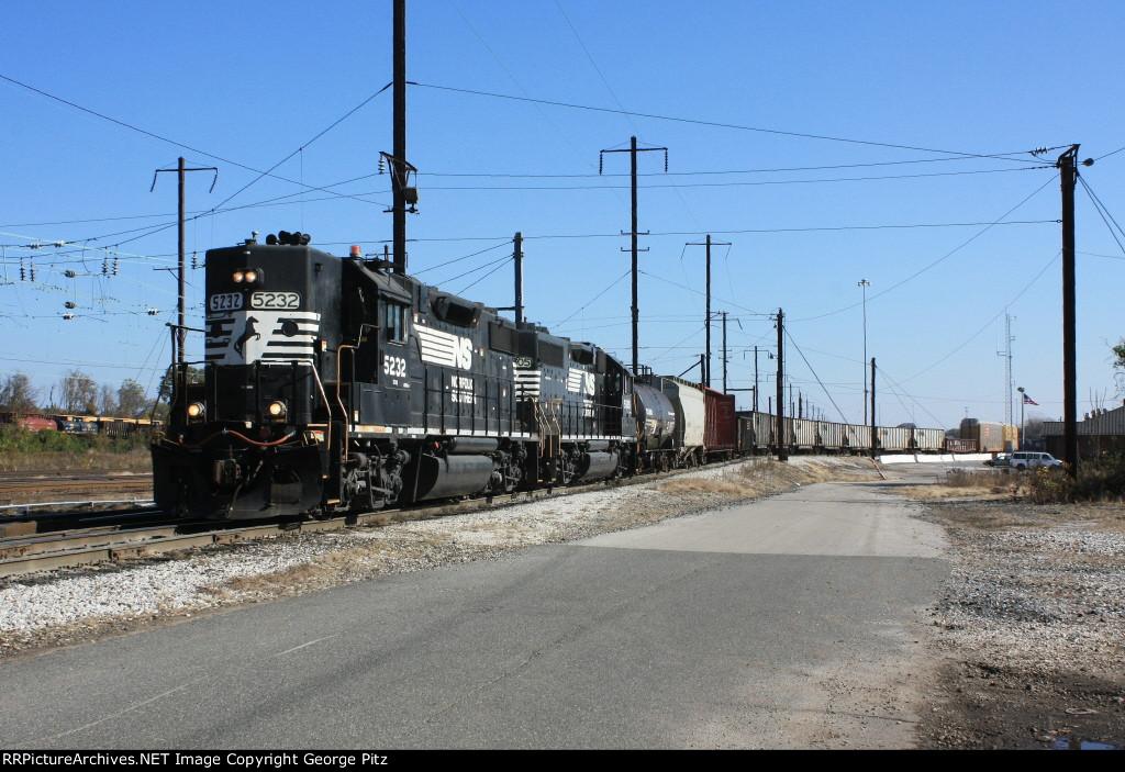 NS 5232 and 5603 shifting cars