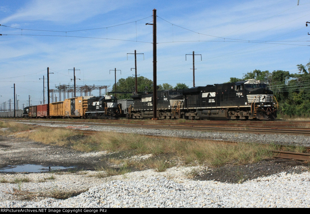 NS 7554 and 9020 with empty hoppers
