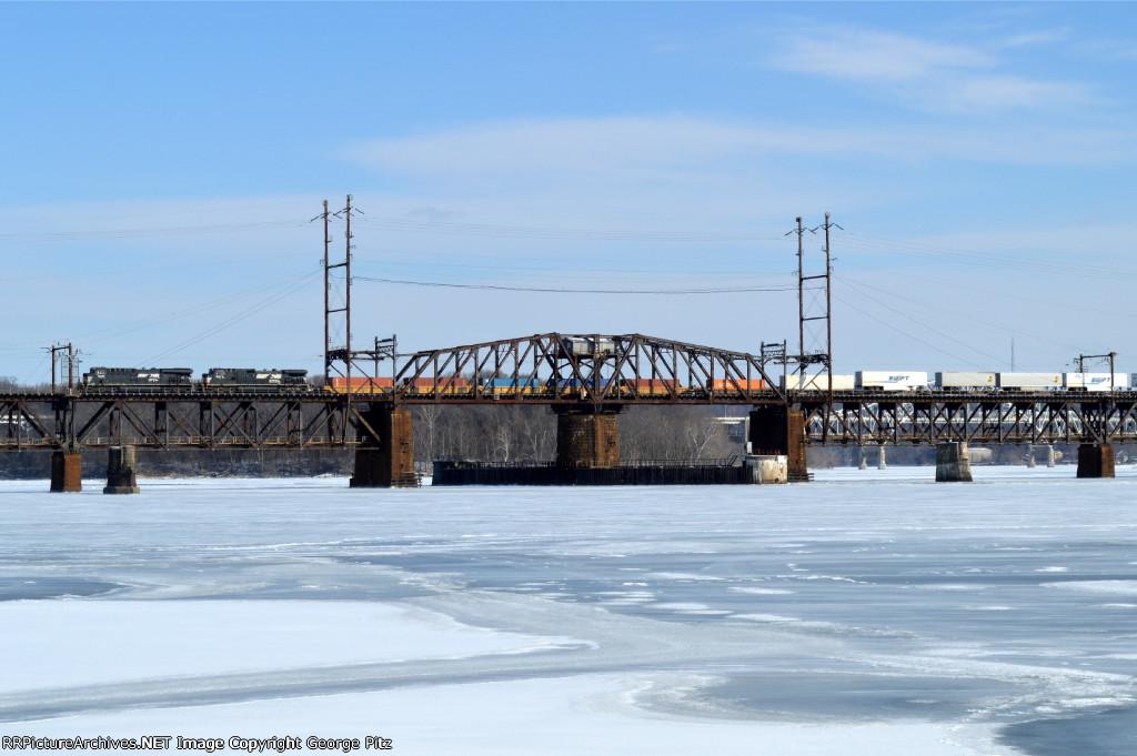 NS 24M crosses the Susquehanna