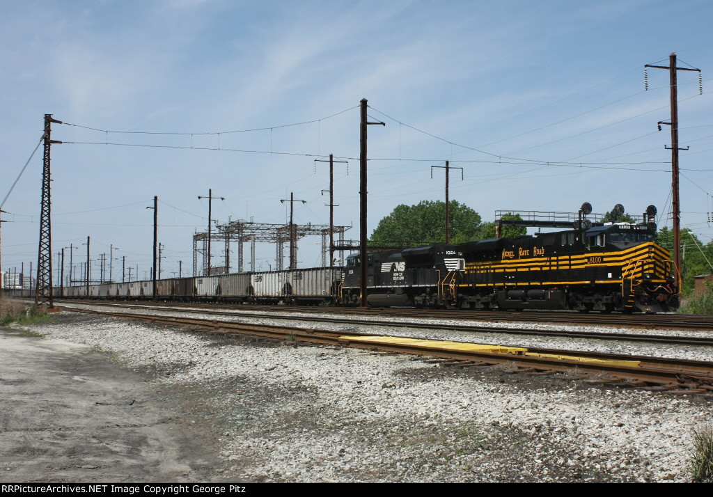 NS 8100 in heritage NKP colors