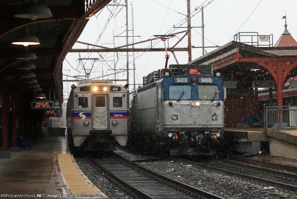 Septa train 9242(25) and Amtrak train 186(25)